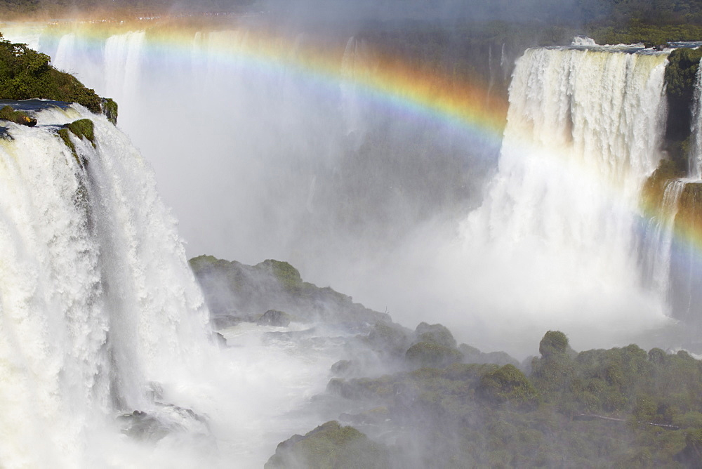 Iguacu Falls, Iguacu National Park, UNESCO World Heritage Site, Parana, Brazil, South America  - 800-1230