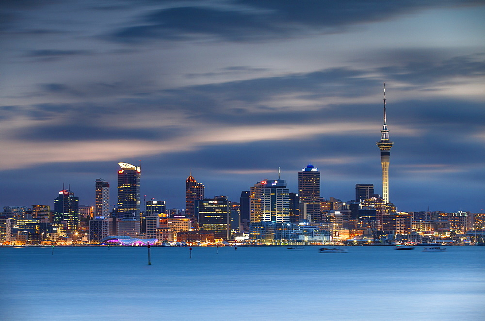 View of Auckland skyline at dusk, Auckland, North Island, New Zealand, Pacific - 800-1994