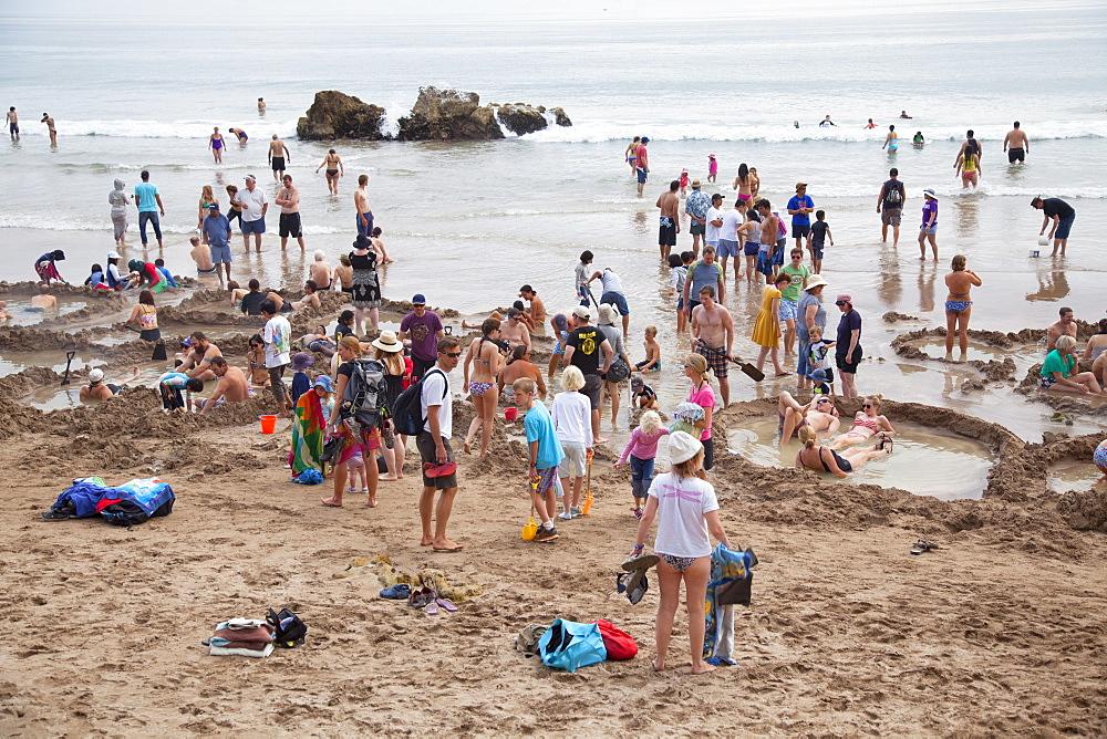 People at Hot Water Beach, Hahei, Coromandel Peninsula, Waikato, North Island, New Zealand, Pacific