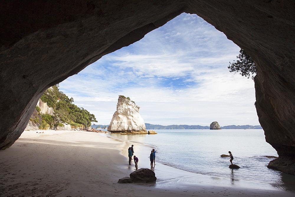 People at Cathedral Cove, Coromandel Peninsula, Waikato, North Island, New Zealand, Pacific