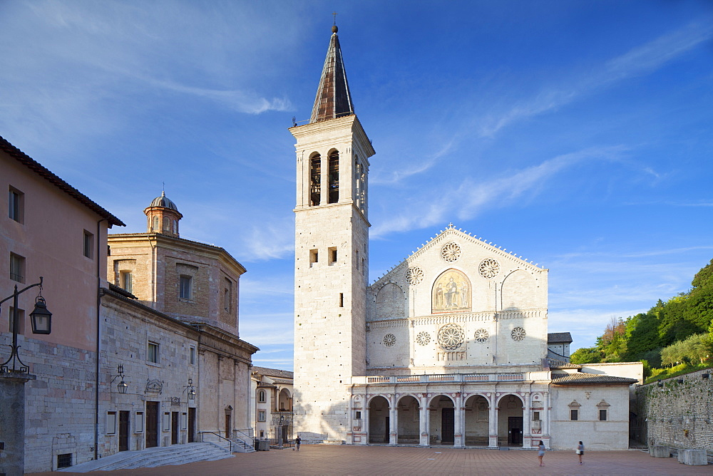 Duomo (Cathedral) in Piazza del Duomo, Spoleto, Umbria, Italy, Europe