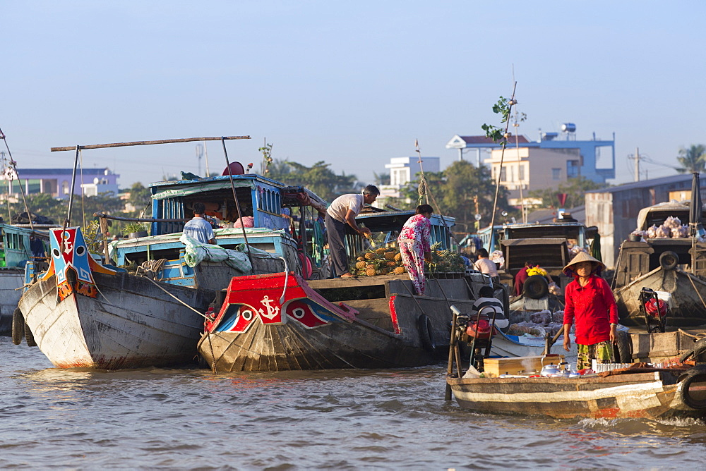Cai Rang floating market, Can Tho, Mekong Delta, Vietnam, Indochina, Southeast Asia, Asia