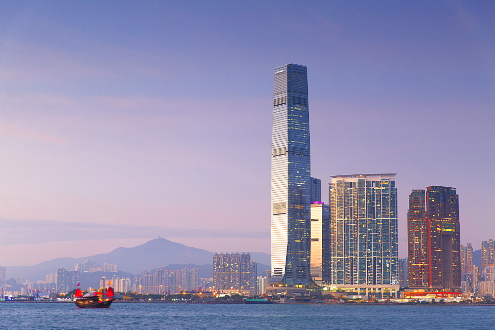 International Commerce Centre (ICC) and junk boat, Kowloon, Hong Kong, China, Asia