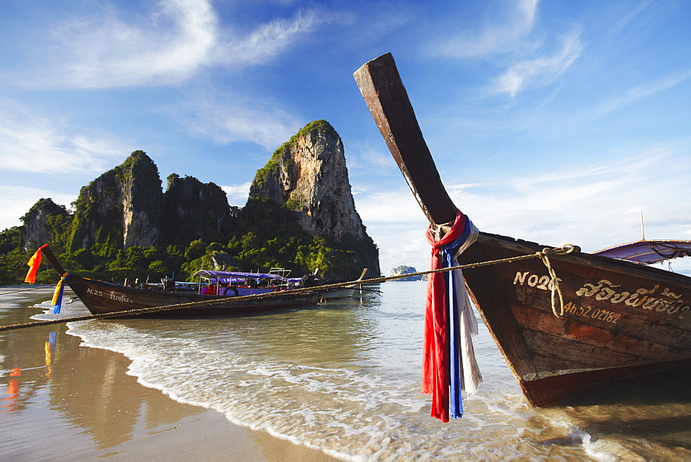 Long tail boats on Hat Rai Leh West Beach, Railay (Rai Leh), Krabi Province, Thailand, Southeast Asia, Asia