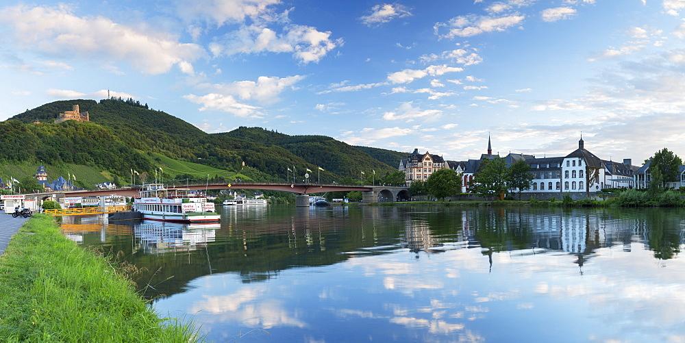 View of River Moselle and Bernkastel-Kues, Rhineland-Palatinate, Germany, Europe