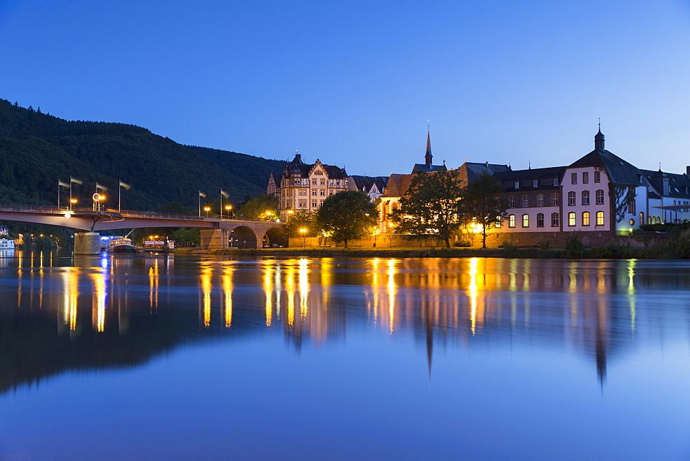 View of River Moselle and Bernkastel-Kues at dusk, Rhineland-Palatinate, Germany, Europe