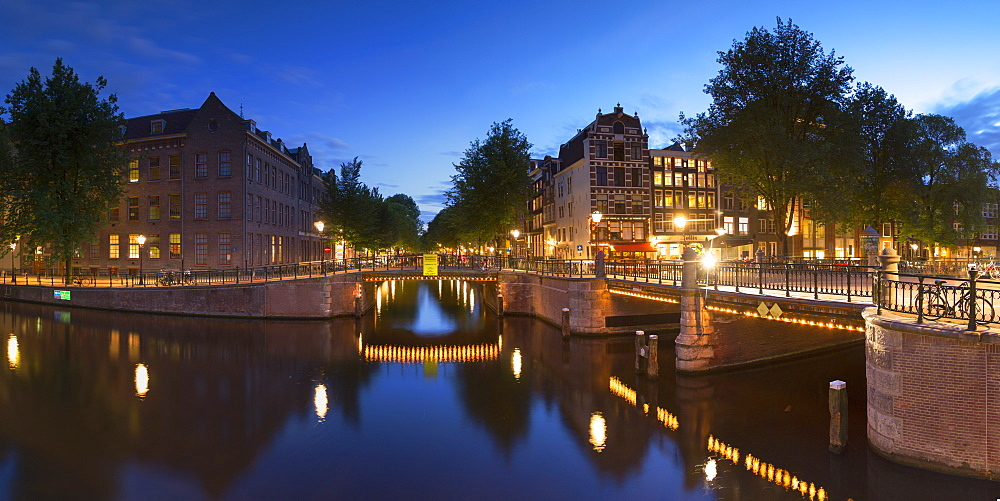 Prinsengracht canal at dusk, Amsterdam, Netherlands, Europe
