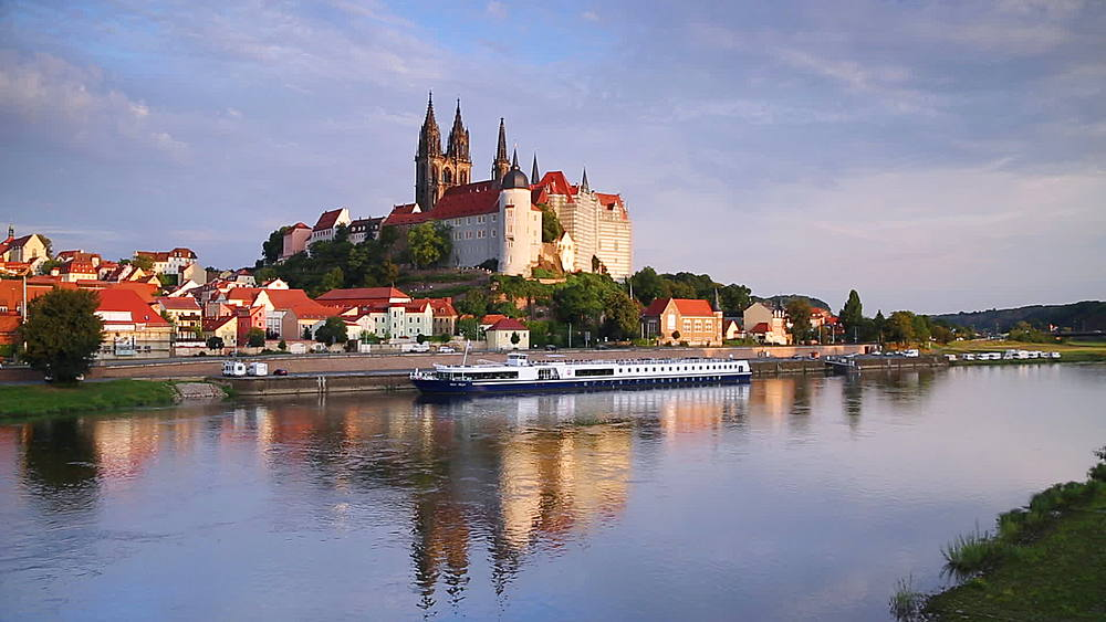 View of Albrechtsburg on River Elbe, Meissen, Saxony, Germany - 800-2884