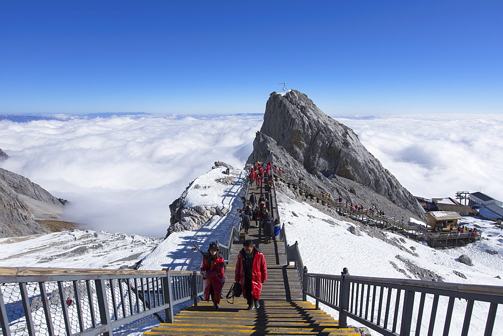 Tourists on Jade Dragon Snow Mountain (Yulong Xueshan), Lijiang, Yunnan, China, Asia - 800-3014