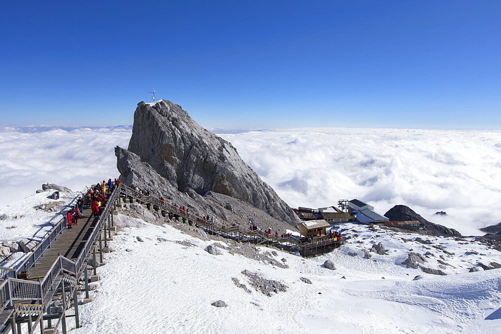 Tourists on Jade Dragon Snow Mountain (Yulong Xueshan), Lijiang, Yunnan, China, Asia - 800-3017