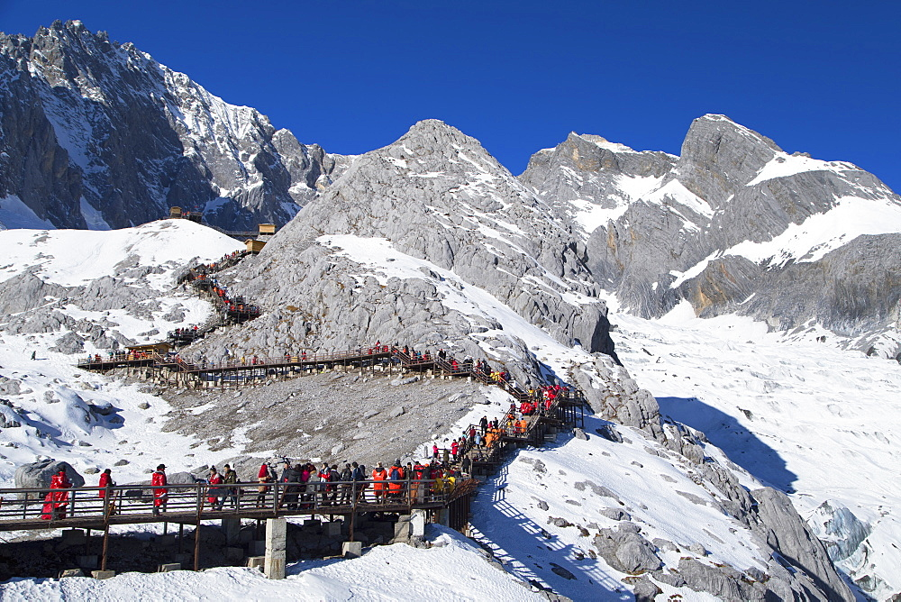 Tourists on Jade Dragon Snow Mountain (Yulong Xueshan), Lijiang, Yunnan, China, Asia - 800-3025