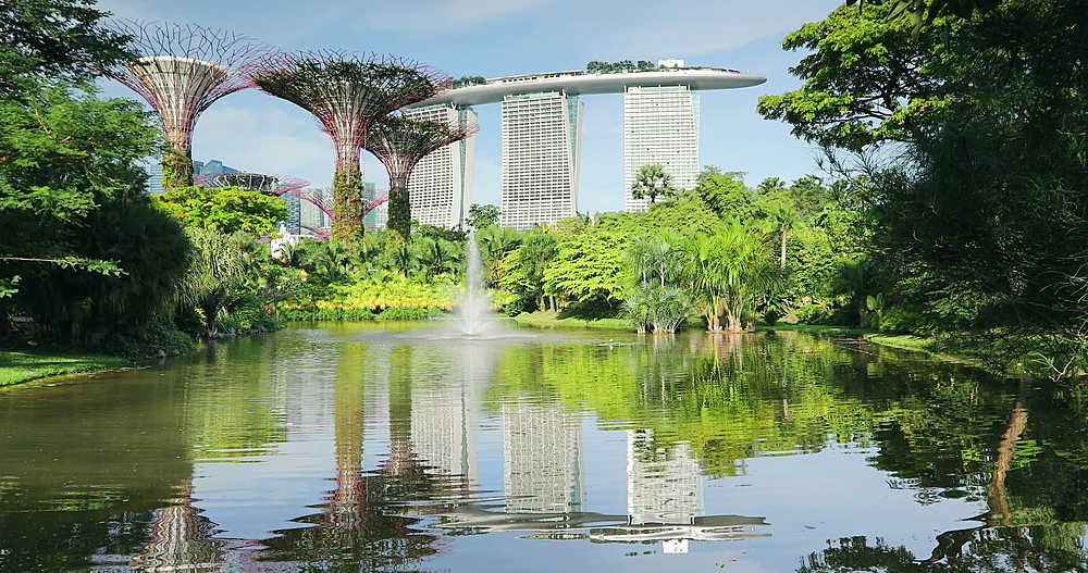 Marina Bay Sands Hotel and Gardens by the Bay, Singapore, Southeast Asia, Asia - 800-3064