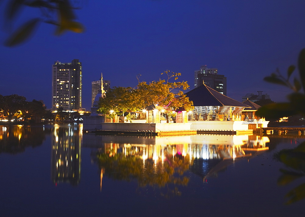 Seema Malakaya Temple on Beira Lake at dusk, Cinnamon Gardens, Colombo, Sri Lanka, Asia