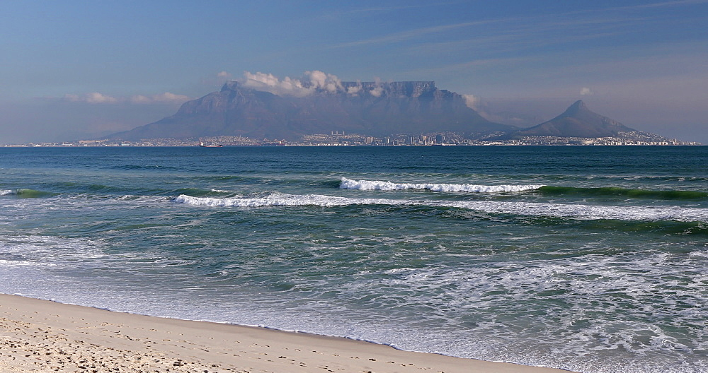Table Mountain from Bloubergstrand, Cape Town, Western Cape, South Africa, Africa - 800-3281