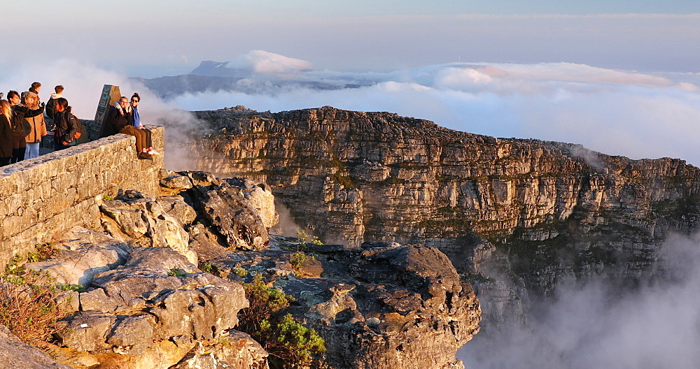 Tourists on Table Mountain, Cape Town, Western Cape, South Africa, Africa - 800-3304
