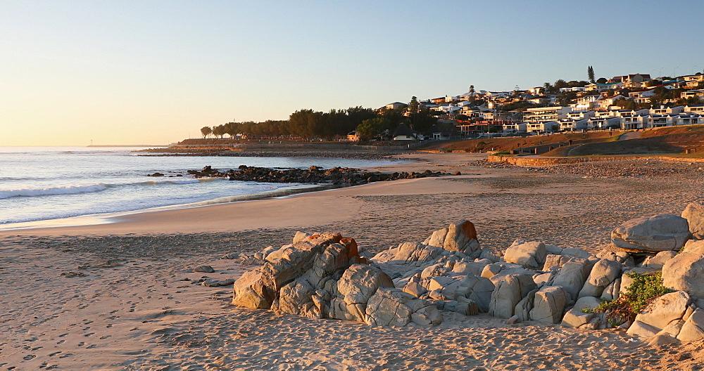 De Bakke beach, Mossel Bay, Western Cape, South Africa - 800-3315