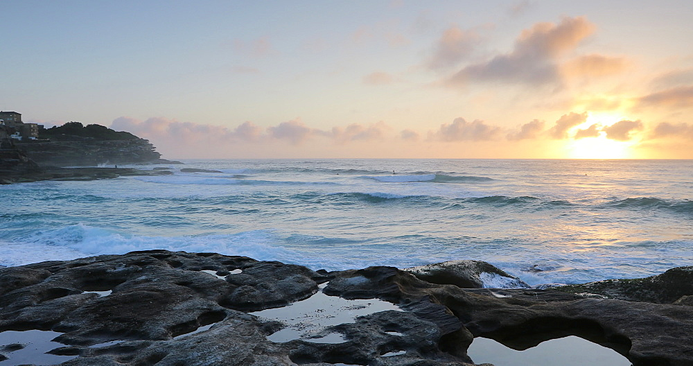 Tamarama Beach at sunrise, Sydney, New South Wales, Australia, Pacific - 800-3491