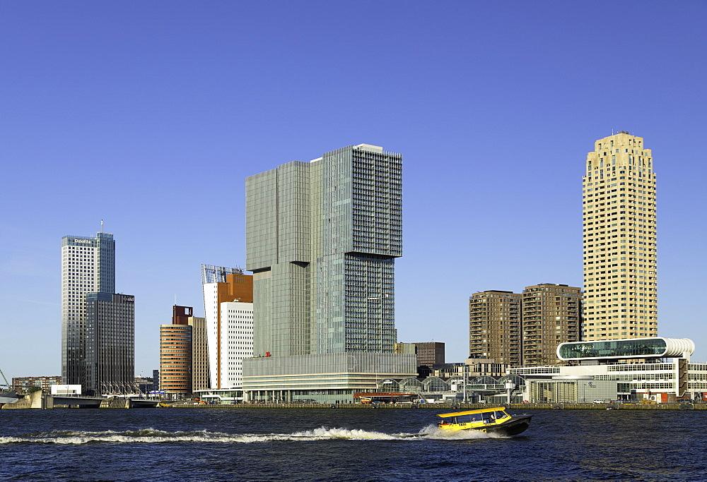 Water taxi on Nieuwe Maas River, Rotterdam, Zuid Holland, Netherlands