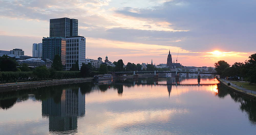 Skyline at dawn, Frankfurt, Hesse, Germany - 800-3610