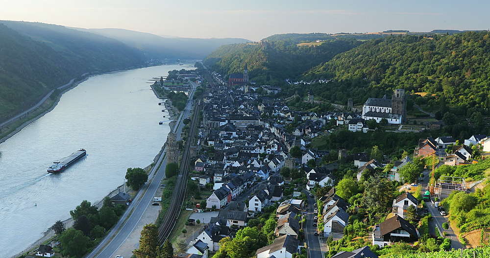 View of Oberwesel and River Rhine, Oberwesel, Rhineland-Palatinate, Germany - 800-3618