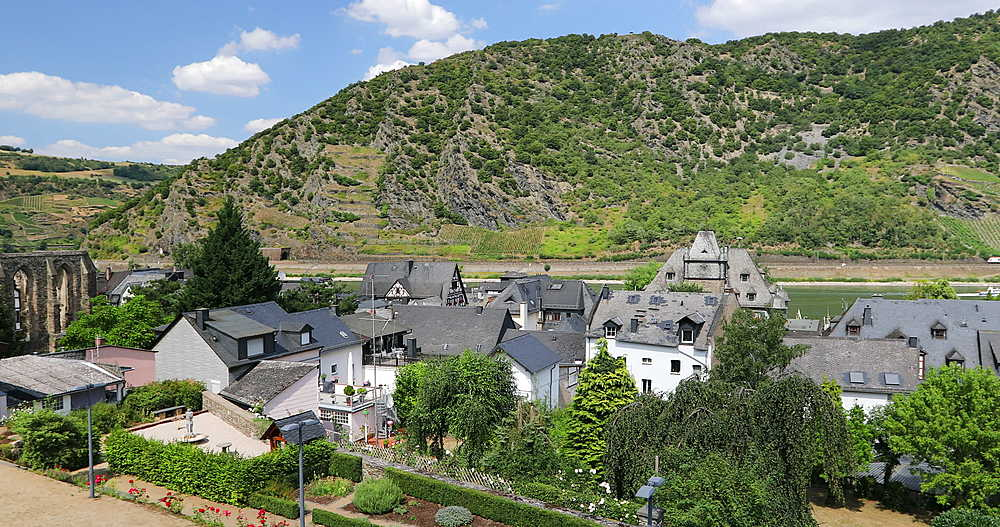View of Oberwesel and River Rhine, Oberwesel, Rhineland-Palatinate, Germany - 800-3619
