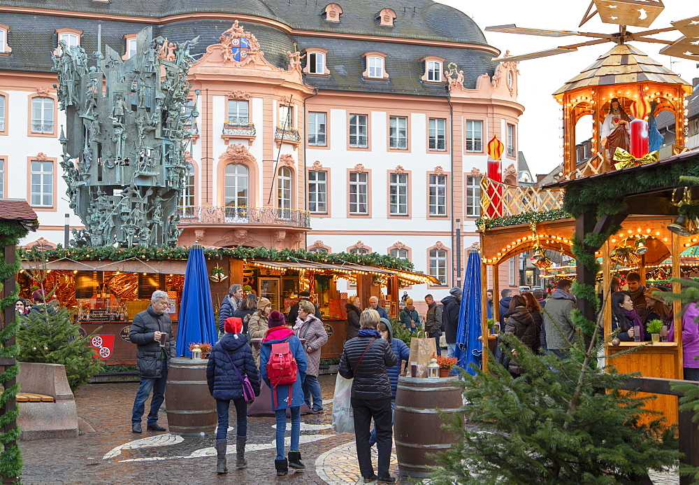 Christmas Market in Schillerplatz, Mainz, Rhineland-Palatinate, Germany - 800-3685