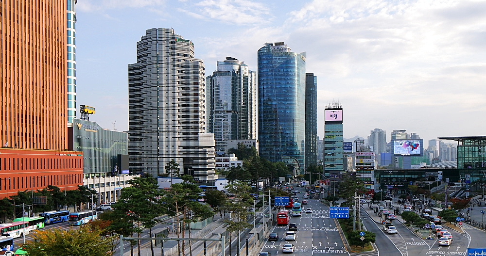 Traffic and skyscrapers, Seoul, South Korea, Asia