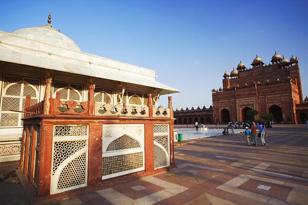 Tomb of Shaikh Salim Chishti in Jama Masjid, Fatehpur Sikri, UNESCO World Heritage Site, Uttar Pradesh, India, Asia