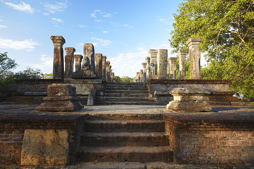 Audience Chamber, Island Gardens, Polonnaruwa, UNESCO World Heritage Site, North Central Province, Sri Lanka, Asia