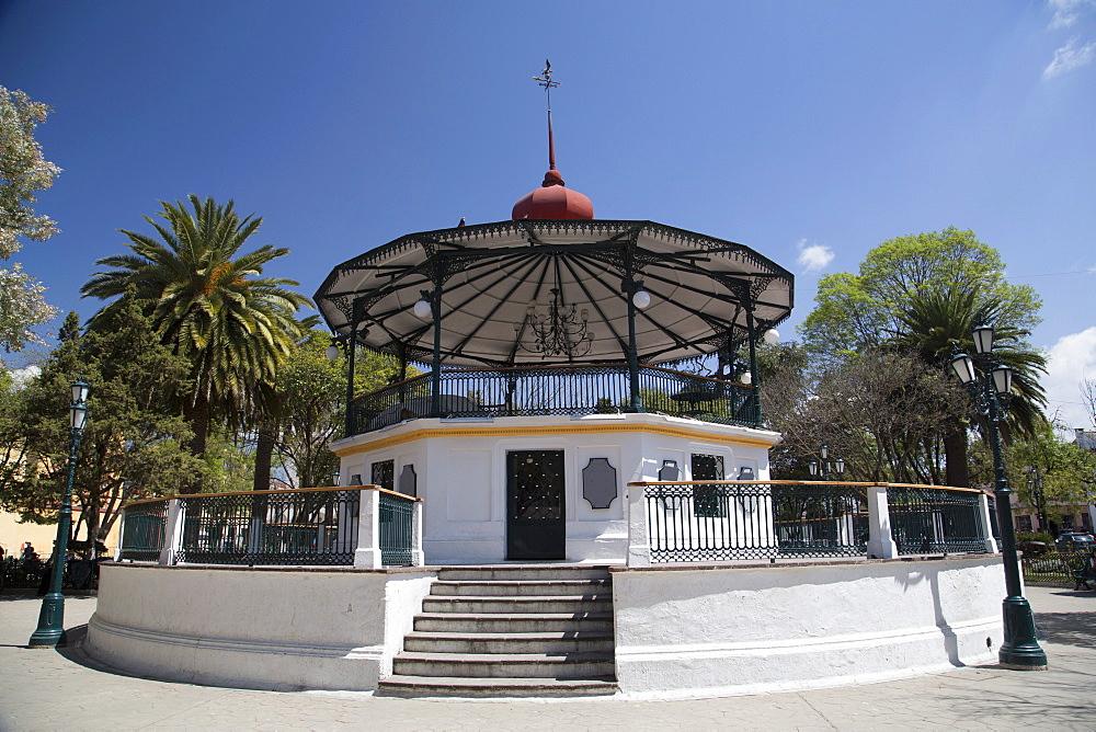Two storey marimba bandstand, El Zocalo (also referred to as the Plaza of March 31st), San Cristobal de las Casas, Chiapas, Mexico, North America