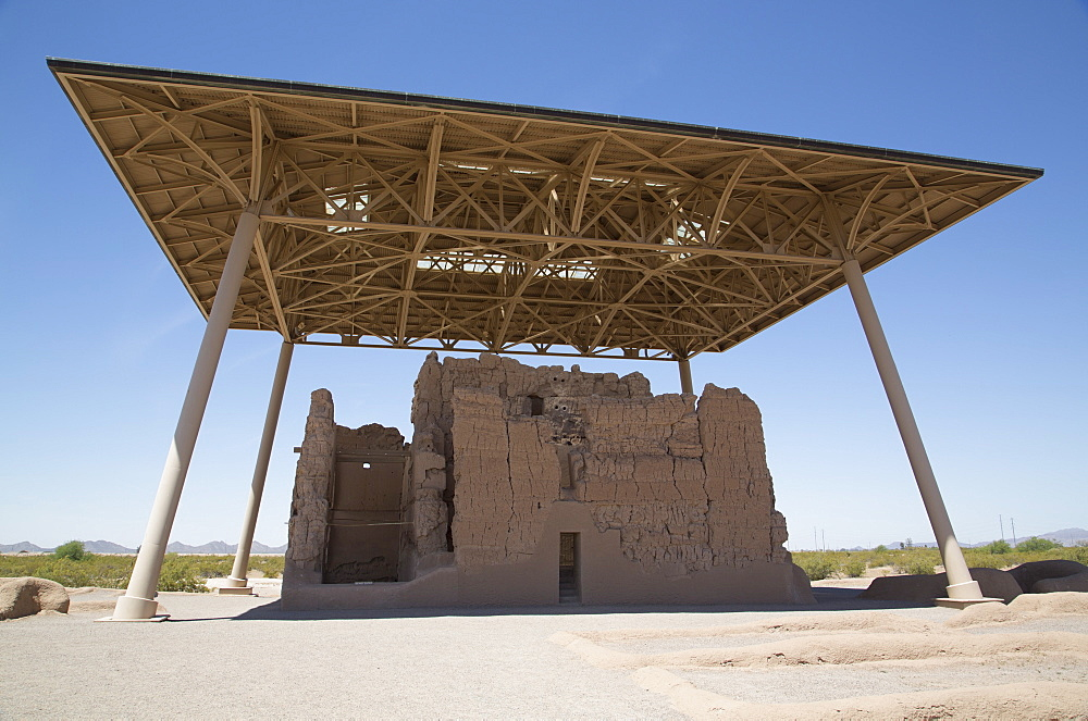 Casa Grande (Great House) Ruins National Monument, home to the Sonora Desert people, founded near 400 AD, abandoned about 1450 AD, Coolidge, Arizona, United States of America, North America