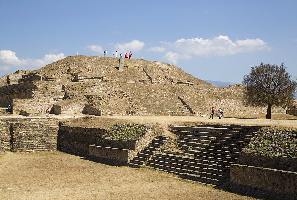 Sunken Patio in foreground with Building E in the background, Monte Alban, UNESCO World Heritage Site, Oaxaca, Mexico, North America