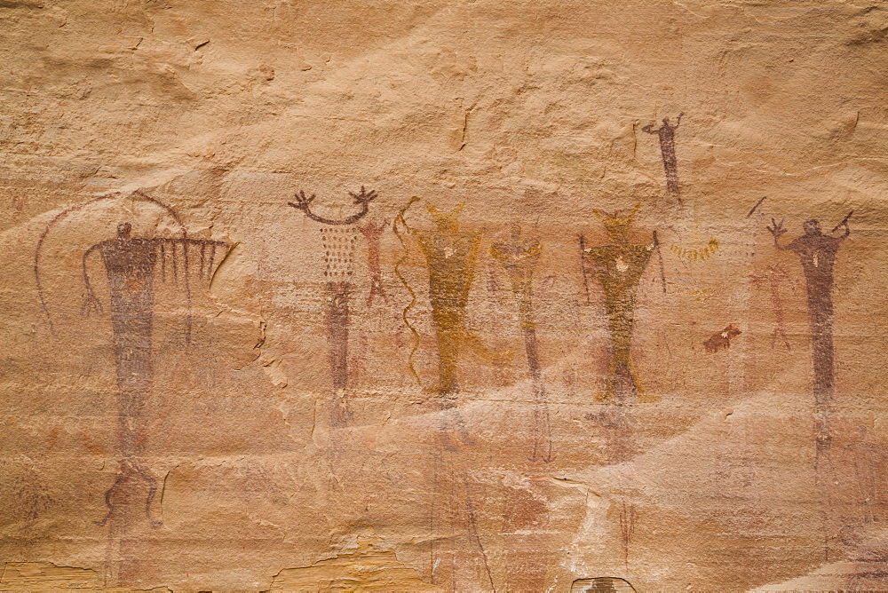Buckhorn Wash Rock Art Panel, Barrier Canyon Style, dating from 2000 BC to 1 AD, San Rafael Swell, Utah, United States of America, North America