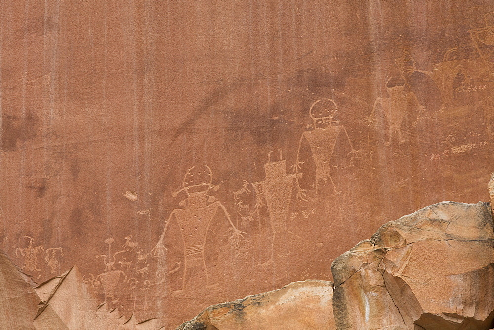 Rock Art, Fremont style anthropomorphs dating from AD 500 to 1300, Capitol Reef National Park, Utah, United States of America, North America