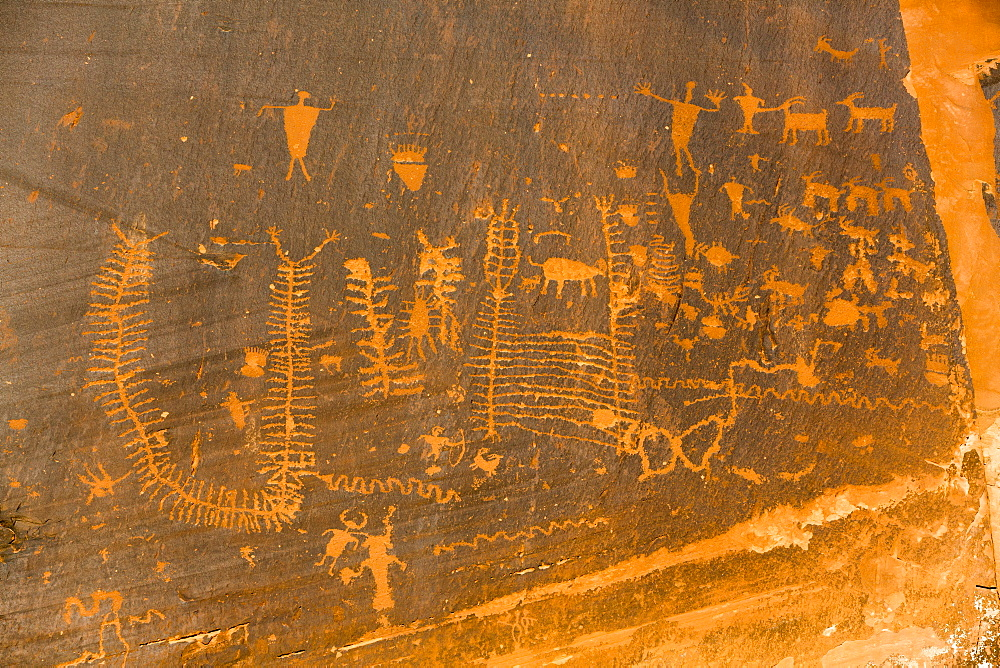 Petroglyphs, ancestral Puebloan, dating from AD 900 to AD 1250, Potash Road, near Moab, Utah, United States of America, North America