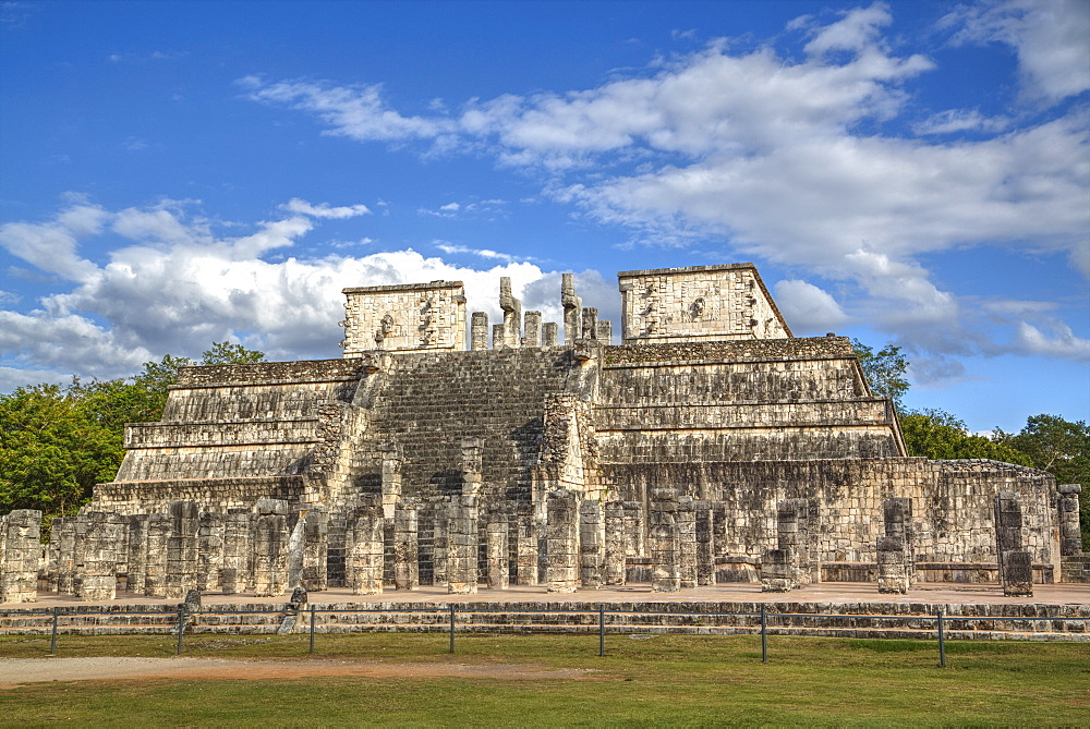 Temple of Warriors, Chichen Itza, UNESCO World Heritage Site, Yucatan, Mexico, North America
