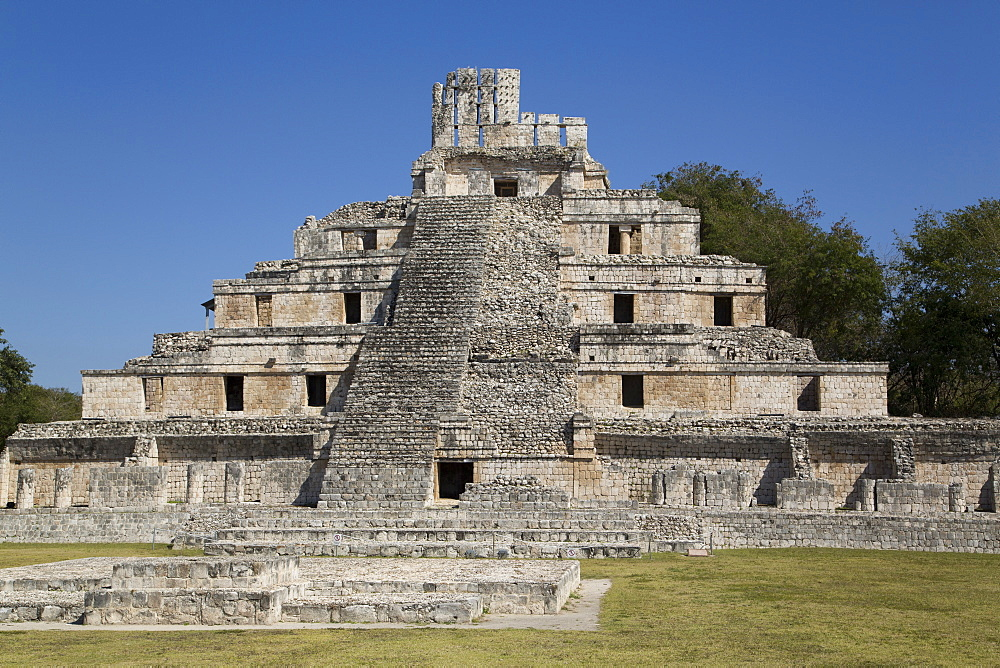 Structure of Five Floors (Pisos), Edzna, Mayan archaeological site, Campeche, Mexico, North America