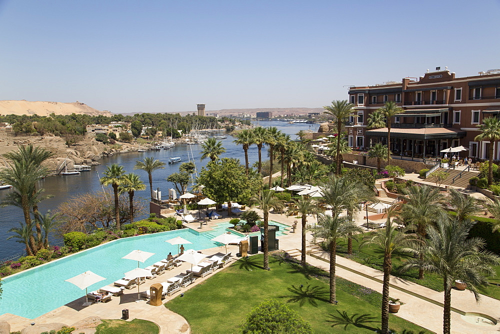 Old Cataract Hotel on the Nile River, Aswan, Egypt, North Africa, Africa