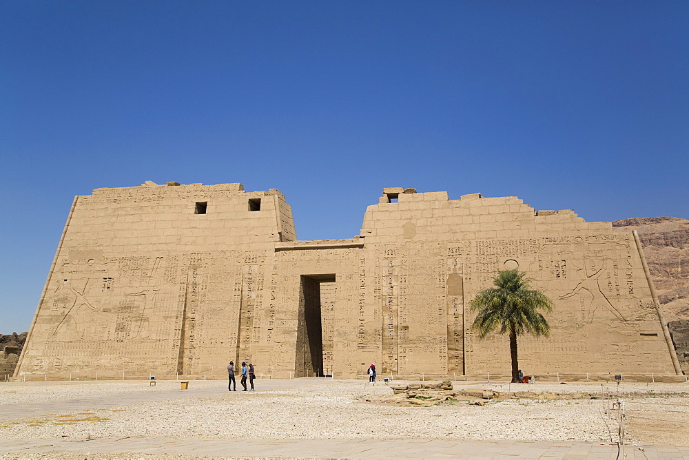 First Pylon, Medinet Habu (Mortuary Temple of Ramses III), West Bank, Luxor, Thebes, UNESCO World Heritage Site, Egypt, North Africa, Africa