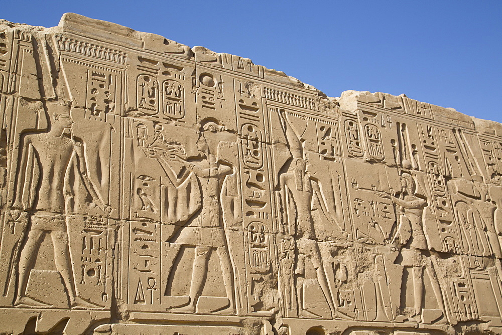 Bas-relief of Pharaohs and Gods, Karnak Temple, Luxor, Thebes, UNESCO World Heritage Site, Egypt, North Africa, Africa