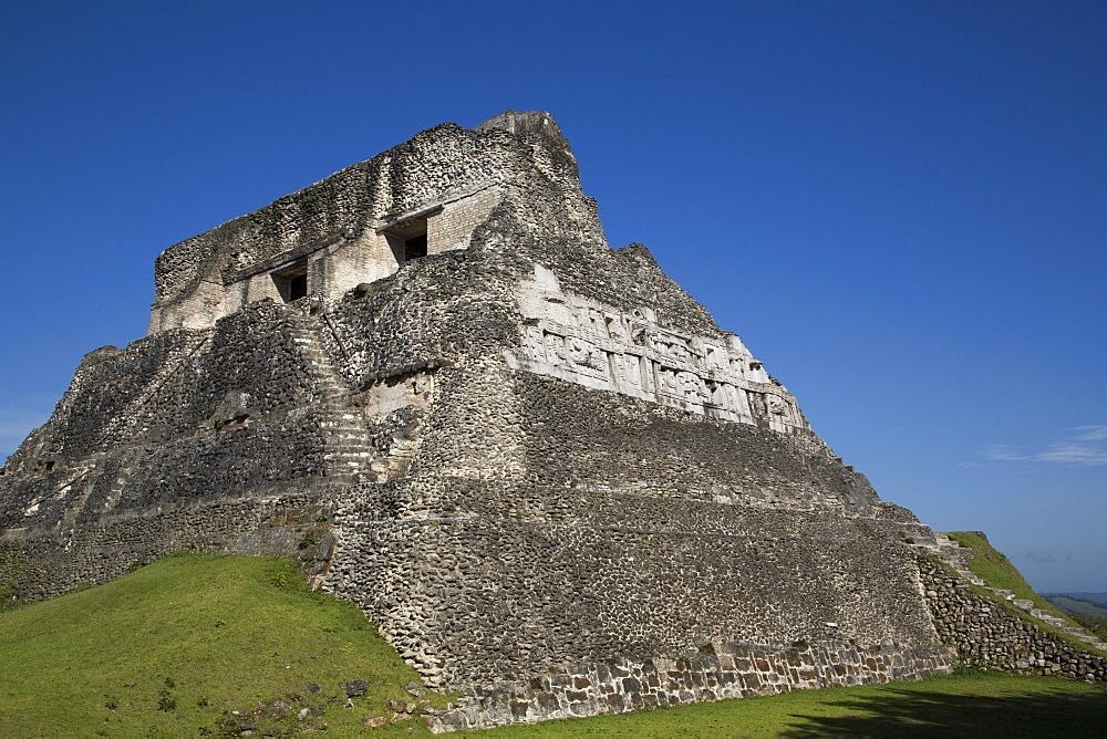Castillo, Xunantunich Mayan Ruins, outside San Ignacio, Belize, Central America