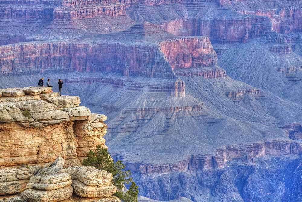 Tourists at Mather Point, early morning, South Rim, Grand Canyon National Park, UNESCO World Heritage Site, Arizona, United States of America, North America