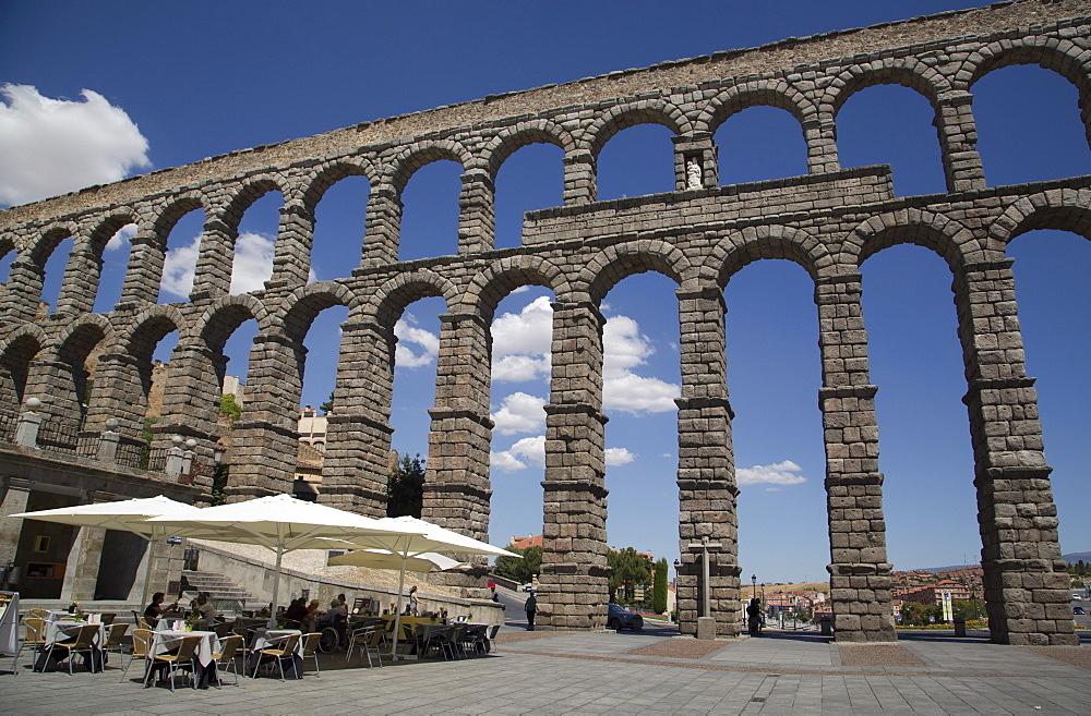 Roman Aquaduct, Segovia, UNESCO World Heritage Site, Spain