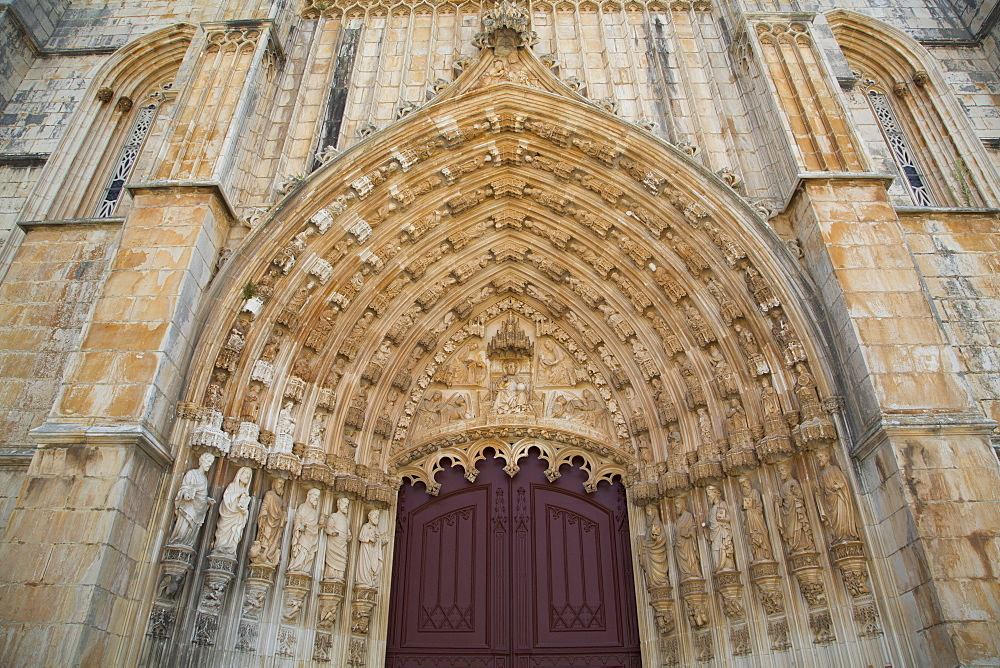 Detail above western door, The Dominican Abbey of Santa Maria da Vitoria, UNESCO World Heritage Site, Batalha, Leiria District, Portugal, Europe