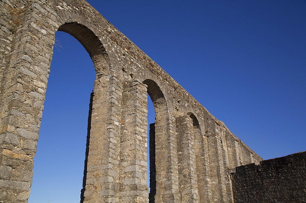 Roman Aqueduct, Evora, UNESCO World Heritage Site, Portugal, Europe