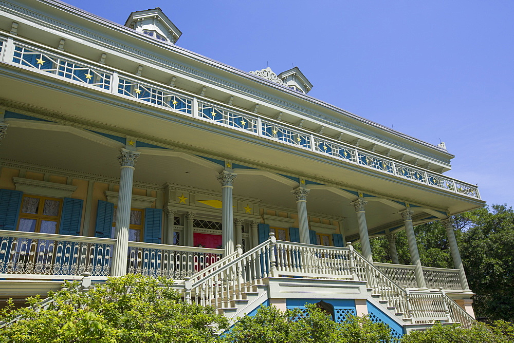 San Francisco Plantation, built in 1856, near Lutcher, Louisiana, United States of America, North America - 801-2024