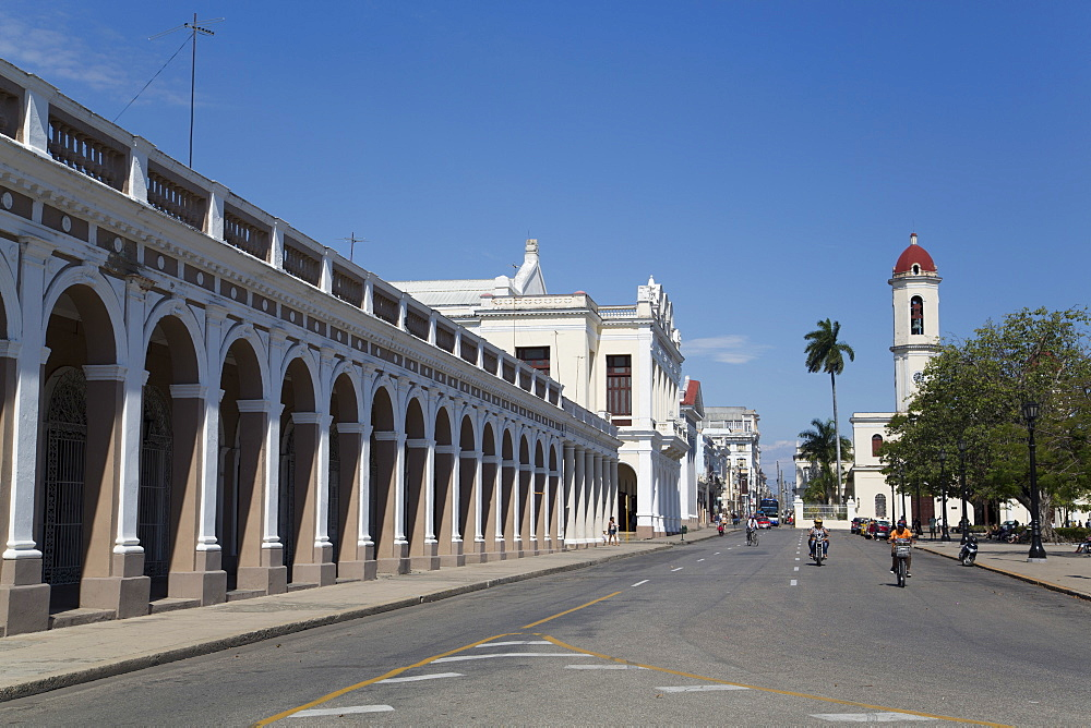 San Carlos Street heading East, Cienfuegos City, UNESCO World Heritage Site, Cienfuegos, Cuba, West Indies, Central America
