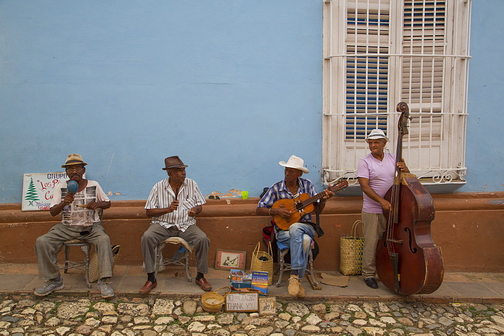 Street musicians, Trinidad, UNESCO World Heritage Site, Sancti Spiritus, Cuba, West Indies, Central America