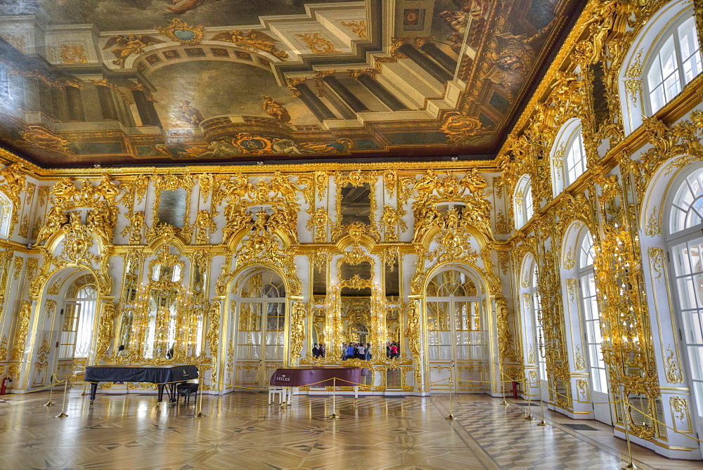 The Great Hall with ceiling paintings, Catherine Palace, Tsarskoe Selo, Pushkin, UNESCO World Heritage Site, Russia, Europe