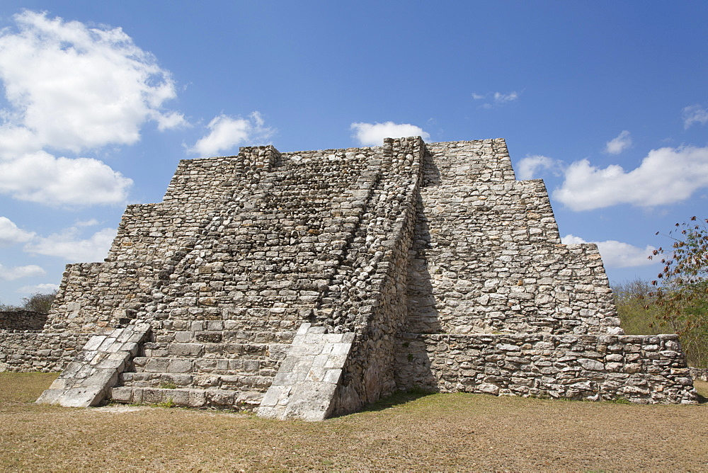 Northwest Temple, Mayan Ruins, Mayapan Archaeological Site, Yucatan, Mexico, North America